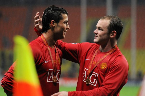 Wayne Rooney does not believe Ronaldo will join rivals Manchester City.